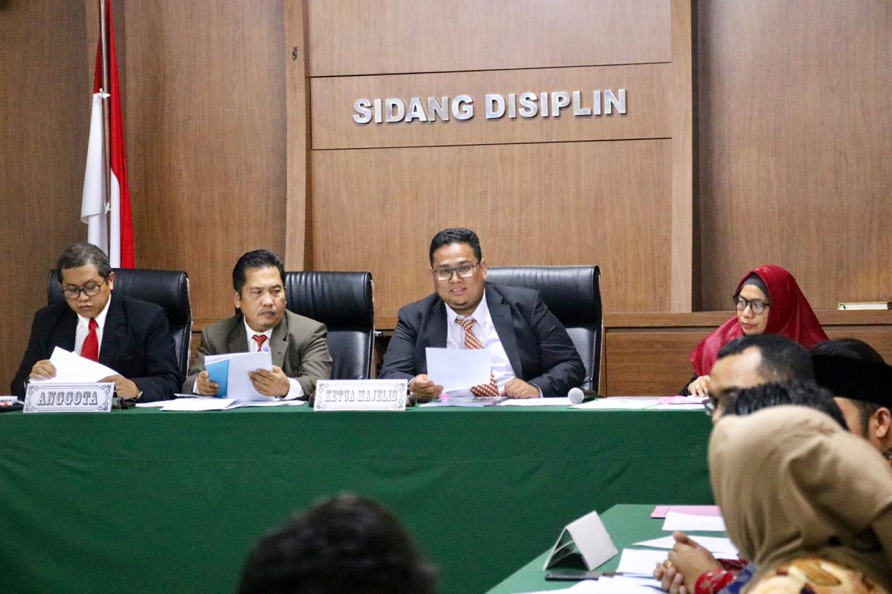 Ketua Dan Anggota Bawaslu Kota Batam Jalani Pemeriksaan Etik Dkpp